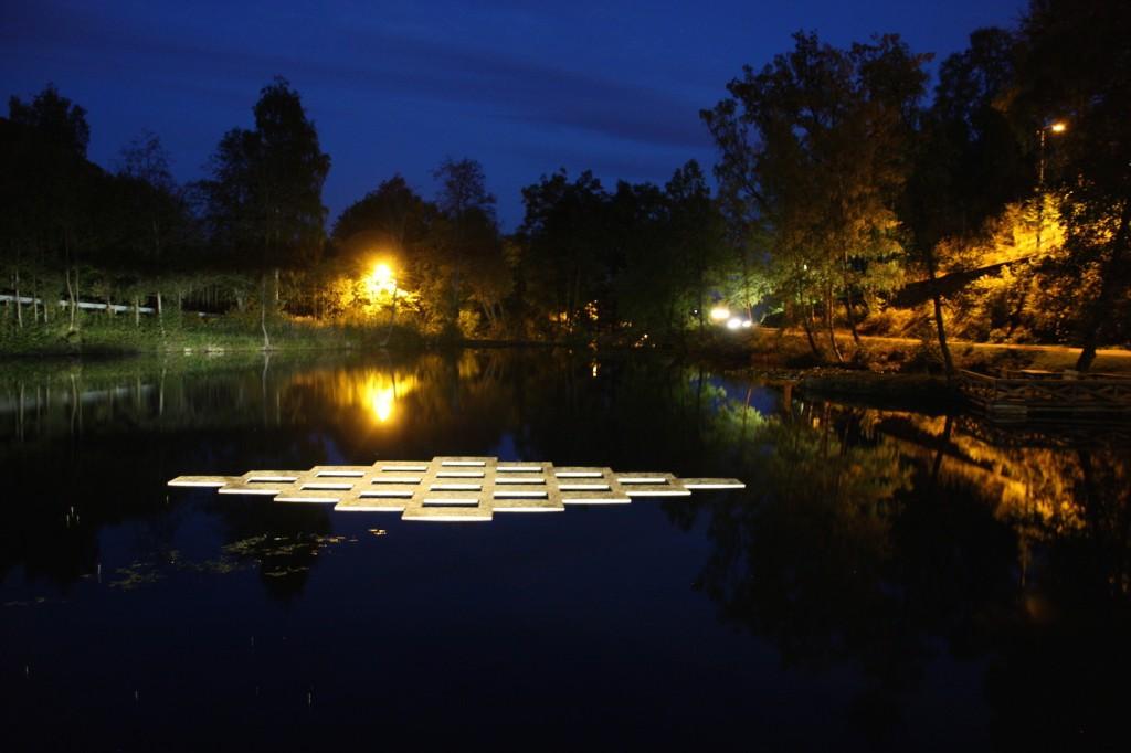 Woven Water_ Berger museum_2014_Lise Wulff lett fil