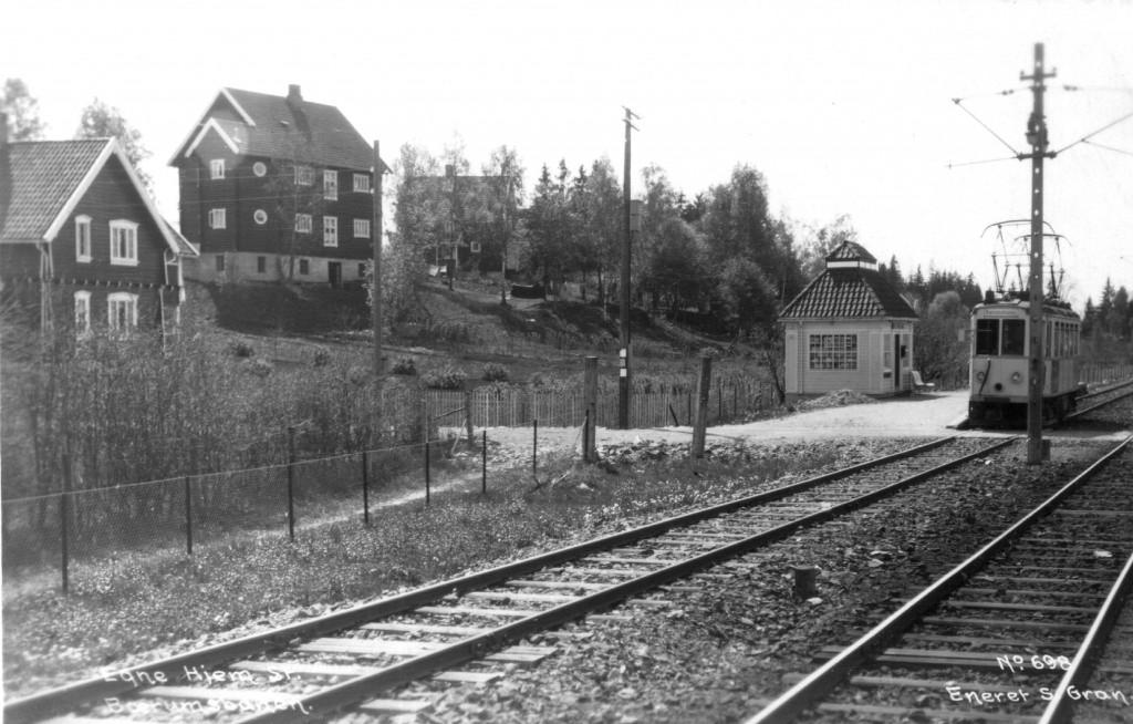 1929: Egne Hjem, Bærumsbanen. Prospektkort. Foto: Gran. Arkivfoto fra Bærum Bibliotek